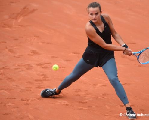 Clara Burel tennis pro